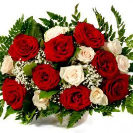 Bouquet of 17 red and white roses