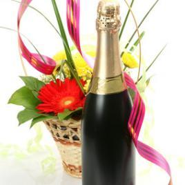 Small flower basket + champagne