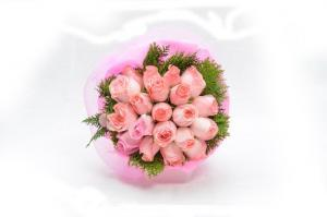 photodune 4077026 pink roses bouquet xs